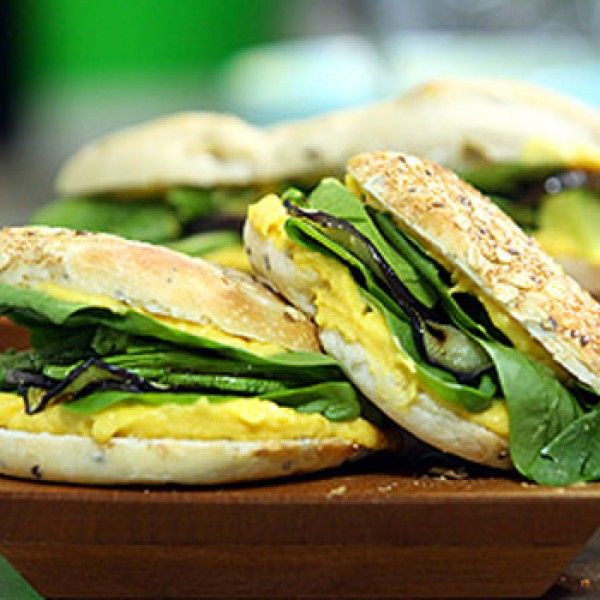 Sandwich vegetariano con espinaca, calabaza, berenjena y palta.Versi´n sumamente sabrosa para los que no comemos nada de carne.