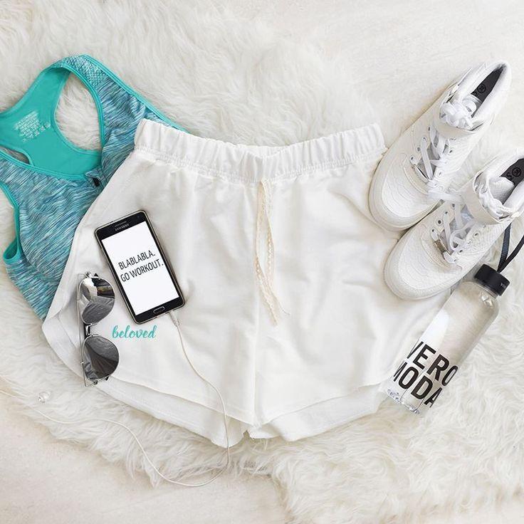 Sweatshirt Loose White Shorts