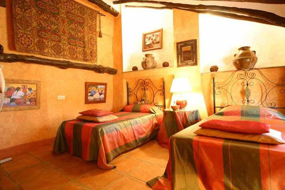 Like This Mexican Bedroom Mexican Interior And Decorating Ideas