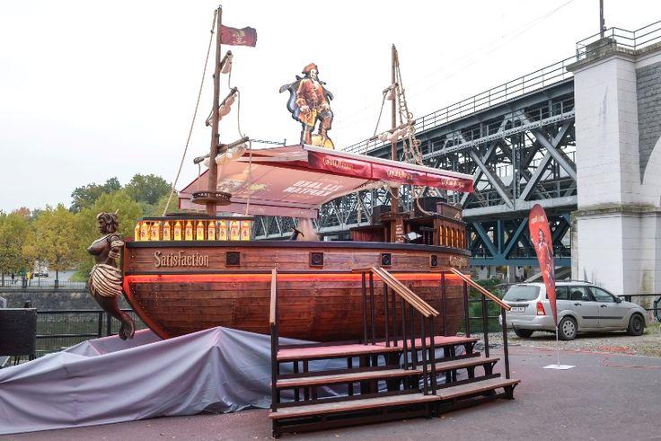 POPAI CE 2016 Winner - Captain Morgan mobile bar from DAGO (www.dago.cz) - http://www.dago.cz/en/news/the-captain-morgan-boat-has-dominated-at-popai-ce-awards-87