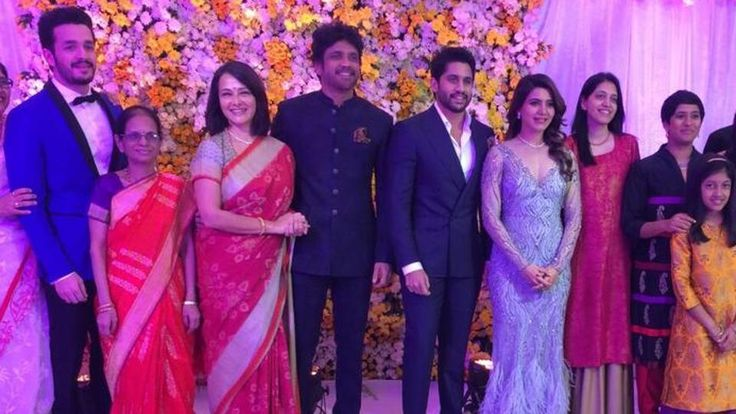 Samantha Ruth Pabhu and Naga Chaitanya's Grand wedding Reception helded on Sunday(12-Nov-17) at #Hyderabad. #CineUpdates #Samantha #NagaChaitanya #WeddingReception #ChennaiUngalKaiyil