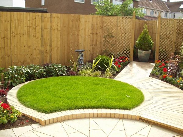 Like the small grass patch...perfect for a desert garden ... on Triangle Shaped Backyard Design id=65085