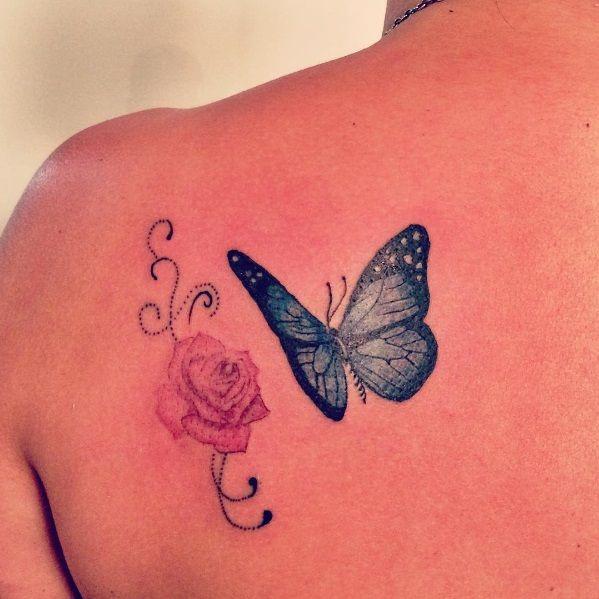 #flowertattoo #butterflytattoo #tattoogirl #tattoo #tatouage #tatuagem #tattooed #color #colortattoo #inkedgirls #tattoo2me #tattooart #rosetattoo