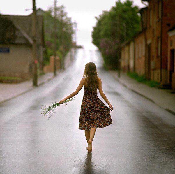 говоришь: - ты мне не жена. мой ответ тебе прост и тих:  если я тебе не нужна - не воруй меня у других.  Ах Астахова