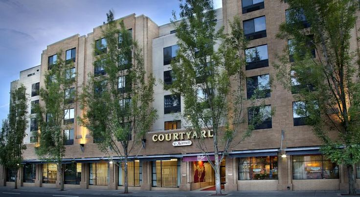 Courtyard Portland Downtown / Convention Center Portland This Portland, Oregon hotel is adjacent to the Oregon Convention Center and Moda Center. It has a free downtown area shuttle service, a fitness centre and indoor pool.