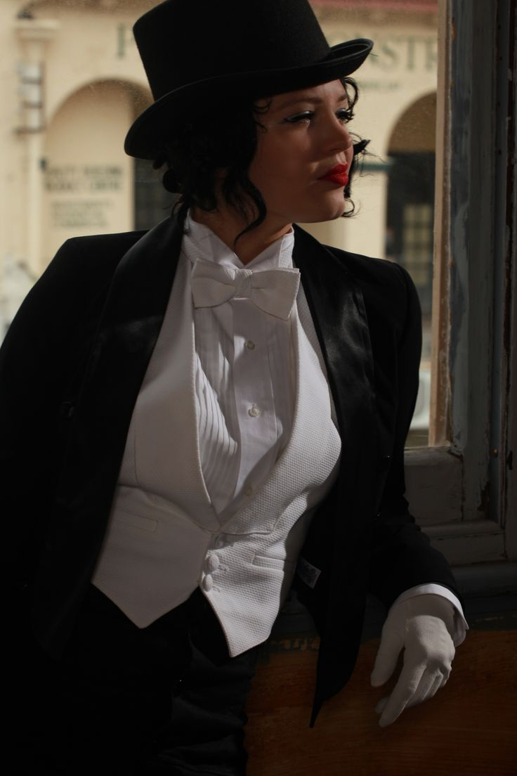 Bonnie in her tuxedo and top hat. Marlene Dietrich tribute ladies in suits 1940s forties burlesque costume. Bonnie Fox is a London based burlesque artist. Bonnie Fox via www.bonniefoxburlesque.com #bonniefox