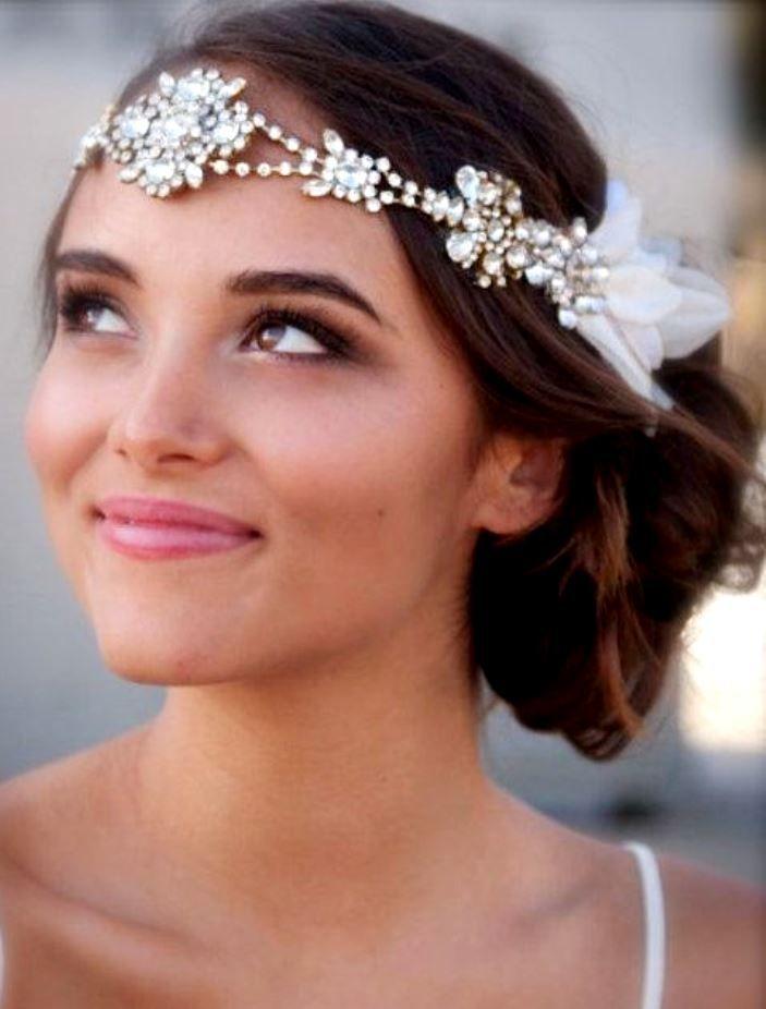 Bride's messy chignon bun bridal hair Toni Kami Wedding Hairstyles ♥ ❷ Wedding hairstyle ideas retro 20′s Gatsby headband