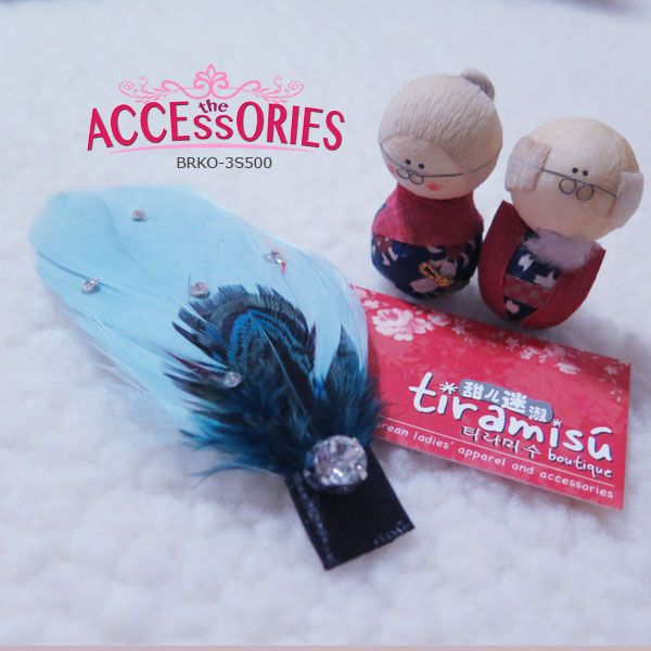 BRAND NEW FROM SOUTH KOREA  Blue Beautiful Beauty (BRKO-3S500)  Quantity:- 1  Sale 4 U $8 - only payment through Bank Transfer (With FREE SingPost AM Mail within Singapore).  You can buy it at our website! More info at http://theaccessories.co/product/brko-3s500  #women #hair clips #korea #new #hand-made #girl #ladies #smart #feather #rhodium silver #blue #black #elegant #fabric #crystal #fur