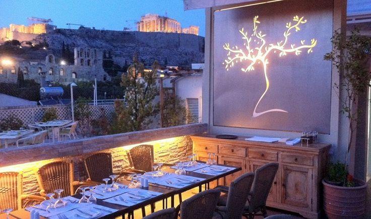 Η Αθήνα στο πιάτο: 10+1 ταράτσες για φαγητό με πανοραμική θέα