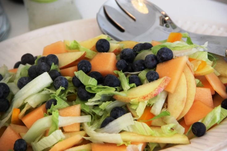 Salad with apple and blueberries by blogliebling.dk