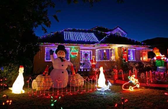 Luminile de Crăciun din întreaga lume - Getty Images