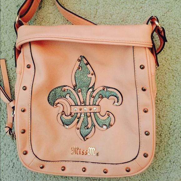 Miss Me purse from Buckle Used a few times! Satchel style! Great for on the go! In great condition Miss Me Bags