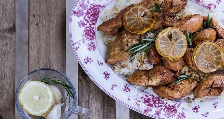 Κοτόπουλο λεμονάτο με ρύζι στην κατσαρόλα (Sticky Lemon Chicken)