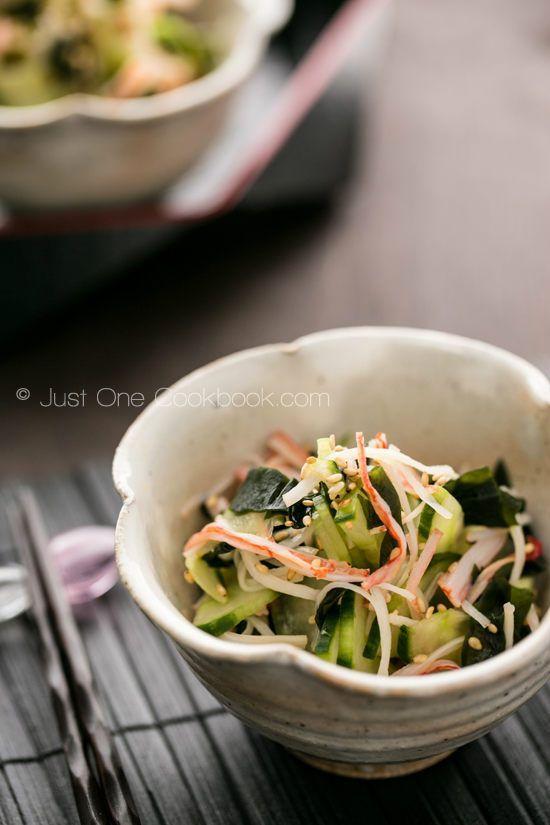 Ingredients 2 Japanese cucumbers (2/3 English cucumber) Sea salt 1 Tbsp. wakame 4 crab sticks (kanikama) (optional) Roasted white sesame seeds (optional) Dressing 3 Tbsp. rice vinegar 1 Tbsp. sugar ½ Tbsp. soy sauce ¼ tsp. salt 2 Tbsp. dashi stock (For vegetarian, use kombu dashi or water)