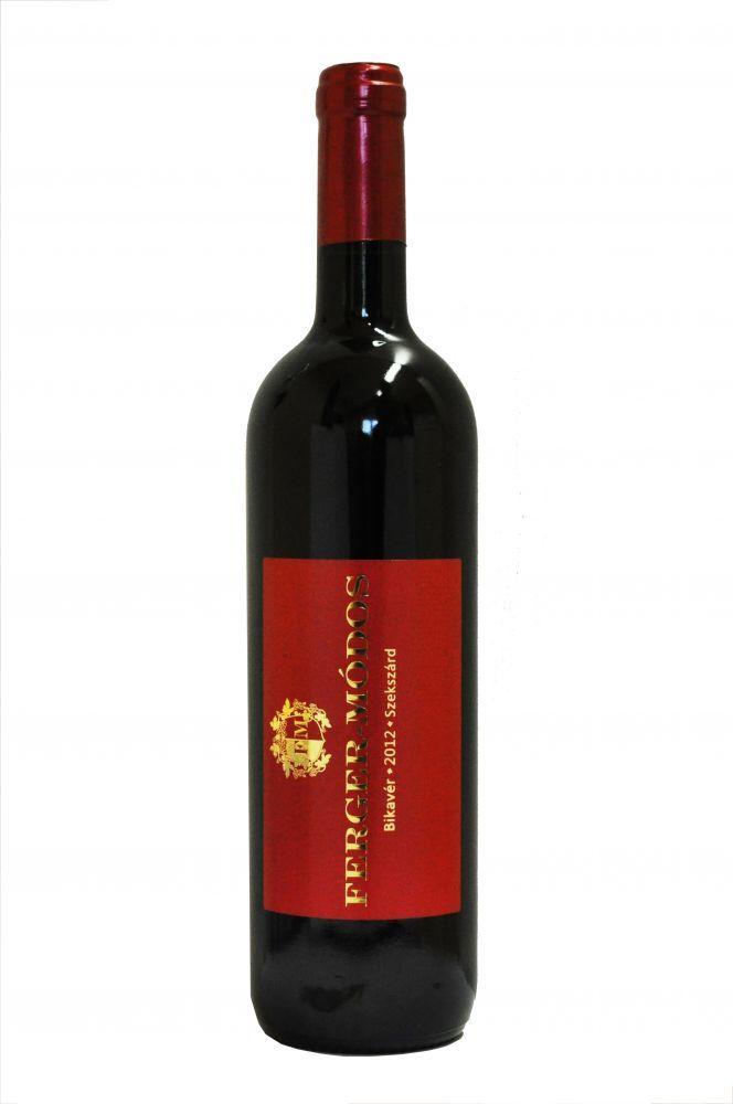 Szekszárdi Bikavér 2012 0,75 l OEM száraz vörösbor - Ferger-Módos Bor- és Pálinkashop Válogatott szőlőkből a legjobb fekvésű dűlőkben termett Kékfrankos, Merlot és Cabarnet Franc borokból házasított tölgyfahordós érlelésű, nagy formátumú bort mutatunk be e palackban, mely tartalmazza a szekszárdi ízeket és az évjárat sajátosságait. Vadhúsos, gombás ételek kiváló társa, melyet 18 °C-on javaslunk fogyasztani. #wine #borok #bikaver