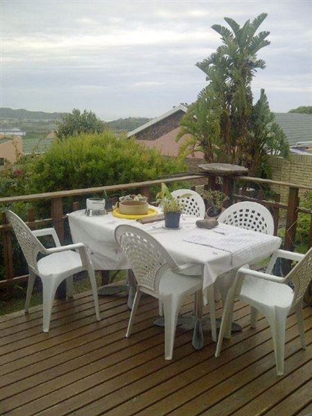 Safraan 2 - This is a lovely self-catering house situated in Hartenbos, a quiet suburb of Mossel Bay.  The house features two bedrooms, two bathrooms, an open-plan living area, and a fully equipped kitchen.  The lounge ... #weekendgetaways #hartenbos #southafrica