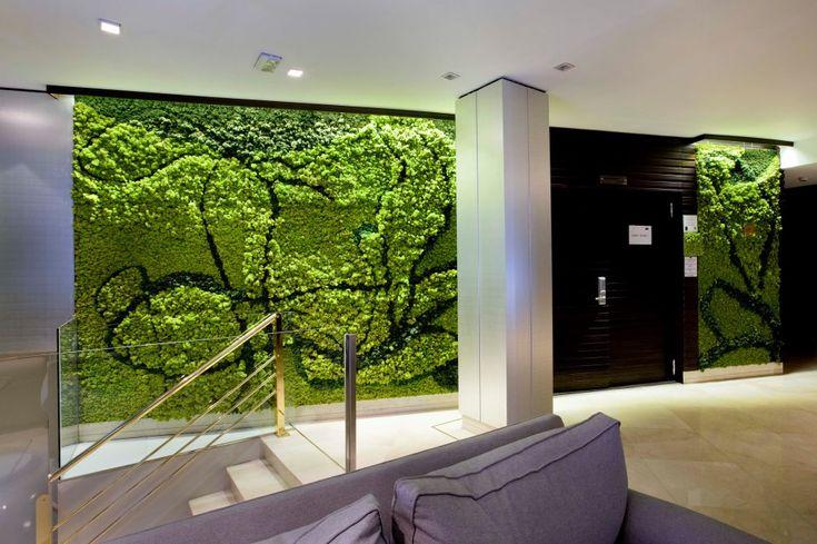 Jard n vertical con l quenes n rdicos en el hotel santo for Jardines verticales valencia