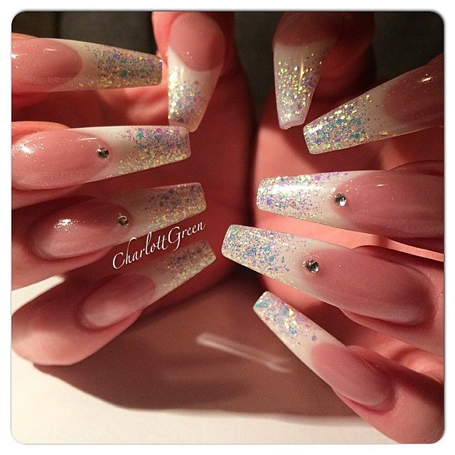I love my long nails ❤️ 😄😇 #nails #naglar #nailart #nailpro #nailporn #nailswag #nailtech #nagelgodis #nailaddict #nailaholic #nageldesign #nailprodigy #nagelteknolog #nagelterapeut #nagelförlängning #gel #gele #gelnails #gelenaglar #glitternails #stenungsund #studiowest #stenungstorg #french #fransk #franskmanikyr #manikyr