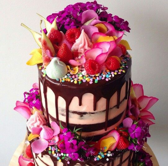 Most beautiful birthday cake for friends
