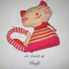 Doudou tricot multicolore forme chat