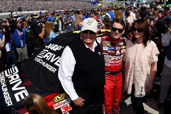 Rick Hendrick Photos Photos - Jeff Gordon, driver of the #24 Drive To End Hunger Chevrolet, center, poses for a photo with team owner Rick Hendrick, left, and Linda Hendrick on the grid prior to the NASCAR Sprint Cup Series 57th Annual Daytona 500 at Daytona International Speedway on February 22, 2015 in Daytona Beach, Florida. - 57th Annual Daytona 500