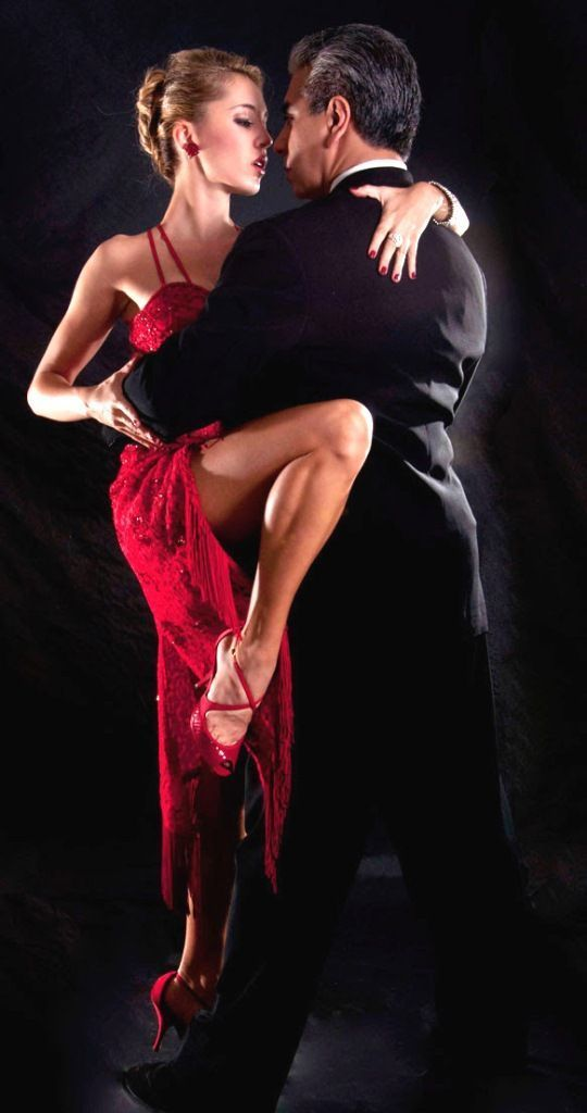 The Argentine Tango spread worldwide throughout the 1920s and 1930s.  The dance appeared in movies and tango singers traveled the world. The Golden Age of Argentina was beginning. The tango came to be a fundamental expression of Argentine culture, and the Golden Age lasted through the 1940s and 1950s.