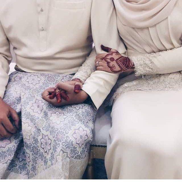 Gambor cantekk gilerr i curi gambar uolssss @jajahamidin  . Henna by shina . Jenis innai lace /handsocks/floral/morrocan/mandala . Henna bridal  henna engagement  henna party  henna for fun  . . http://ift.tt/2gY9cUx . . Xoxo Love shina   #bridalhenna #morocanhenna #hennatattoos #hennatattoo #hennabyshina #hennajb #hennamalaysia #hennawedding #henna #hennanatural #hennaartist #hennacone #sayajual #sayajualservice #hennaart #hennaart #hennanight #hennadesign #mehndi #malaysiahenna…