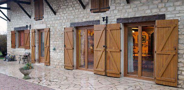 Unaferm : fabricant et installateur de volets et de fenêtres en Alsace :: Fenêtre PVC décor bois
