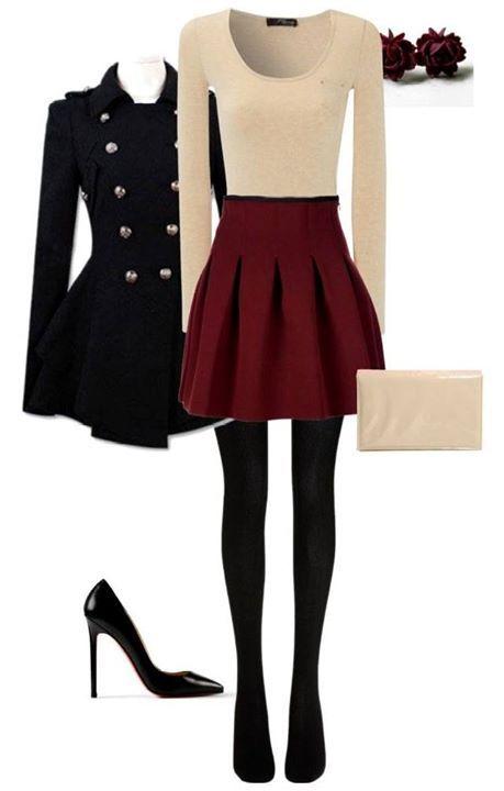 minimalistisch, roter rock und beiges shirt Plus