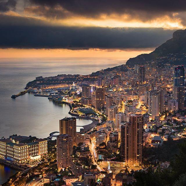 Monaco, from the Vista Palace Hotel. Vue de Monaco depuis l'hôtel Vista Palace. By Michael Crovetto. #frenchriviera #cotedazurnow #cotedazur #costaazzurra #costaazul #monaco #monacolife #monacomontecarlo #principatodimonaco #principautedemonaco #principalityofmonaco @monaco_lux @principatodimonaco @monacoluxuryguide @monako.ru @montecarlo_monaco_principaute #монако #монтекарло @unlimitedmonaco @vistapalace #vistapalace #vistapalacemonaco
