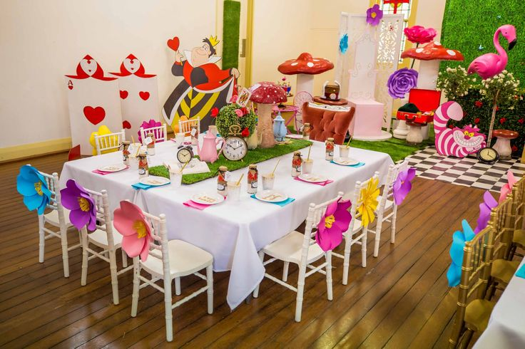 Alice in Wonderland party and props by Tiny Tots Toy Hire