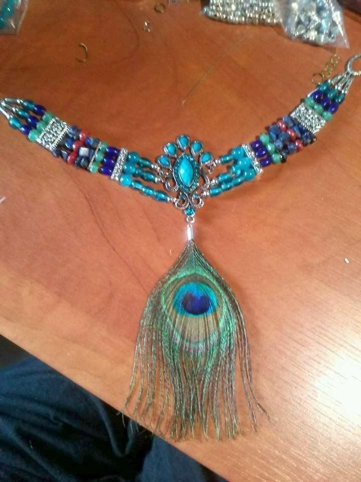 Choker in blauwtinten met saffier glas en kristal