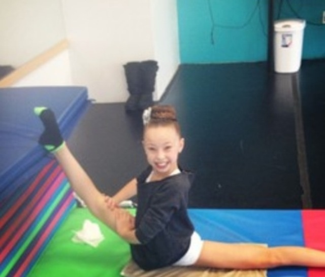 The gallery for --> Maddie Ziegler Splits