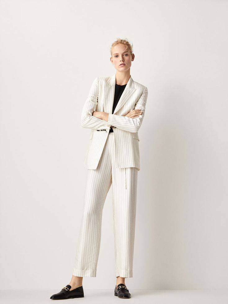 Spring Summer 2018 Women´s LIMITED EDITION DOUBLE BREASTED LINEN SUIT BLAZER at Massimo Dutti for 295. Effortless elegance!