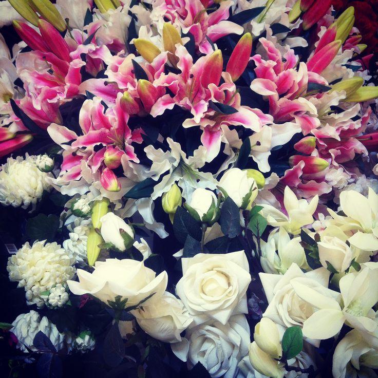 Artificial flowers displayed @deborla.