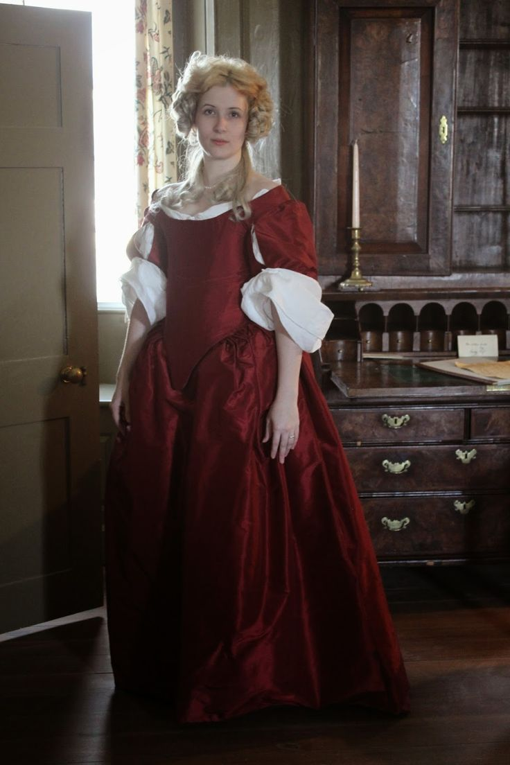 1670's gown - Diary of a Mantua Maker http://mantuadiary.blogspot.com/