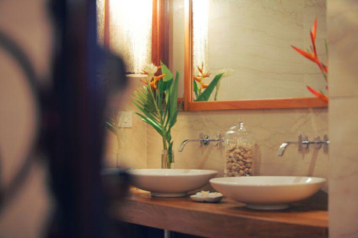 Bathroom in Villa Susanna, Caribbean www.nomadearchitettura.com