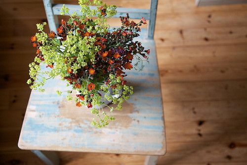 : Chairs, Blue Green, Flowers Arrangements, Bouquets, Fresh Flowers, French Knot, Photo, Nooks, Flowers Green