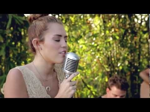 Baffled... You have to see this, to believe it... But I so loooooove the (original) song, I had to repin! Miley Cyrus - Jolene - The Backyard Sessions (HD).