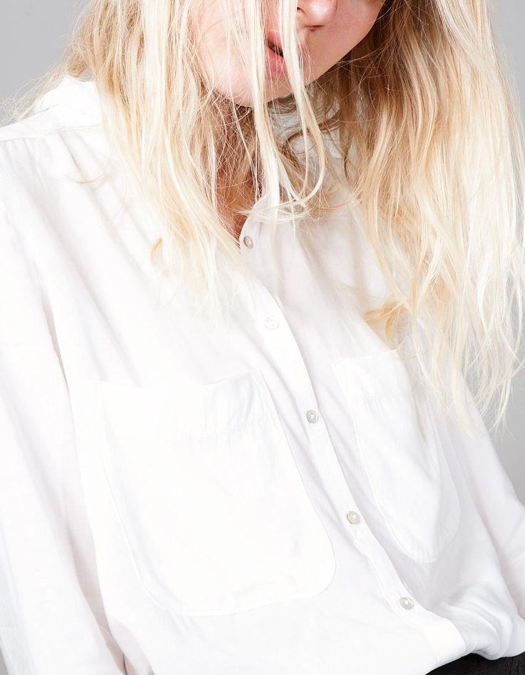 http://www.stradivarius.com/pl/nowości/ubrania/koszula-z-wiskozy-gładka-c1390562p7524542.html?colorId=004