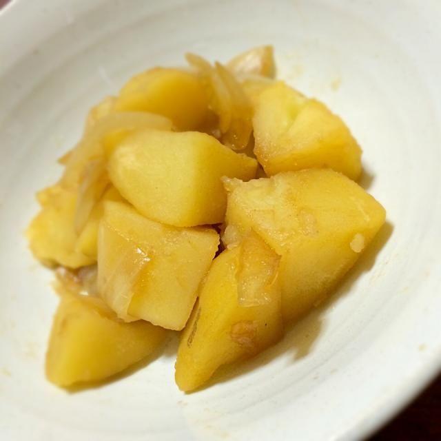 ジャガイモの煮物作りました。 トッピングにネギを乗せたかったのですが,,,なんとネギ切れでした…残念 でも、美味しかったぁ₍₍ ( ๑॔˃̶◡˂̶๑॓)◞♡ - 52件のもぐもぐ - ジャガイモと玉ねぎの煮物小鉢?w by asyt42nkno527