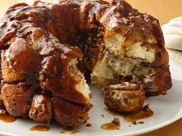 A tasty twist on the classic monkey bread recipe topped with apples, warm caramel and cinnamon.