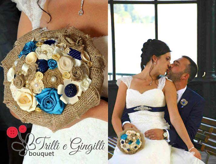Una sposa il giorno del suo matrimonio con il bouquet country personalizzato creato per lei da Trilli e Gingilli. Bride with her bouquet designed by Trilli e Gingilli. Guarda le foto di altre spose: http://www.trilliegingilli.com/le-vostre-foto/