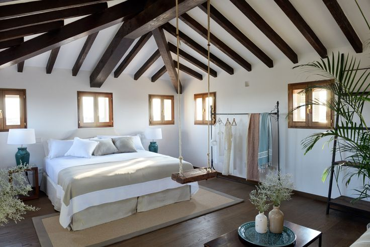 The Luxury Attic Room offers 360º views over the pool and garden, and all the way to the sea and across the village of Santanyí. Feel like a king, on top of the world!