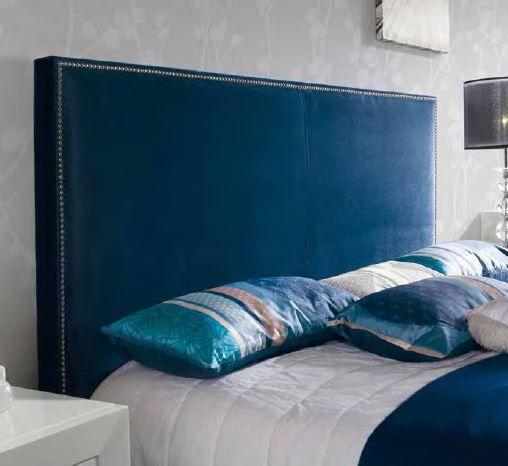 Sengegavl modell ANDREA LUX.  Kommer i mange lekre farger.  Se flere modeller i nettbutikken vår.  www.mirame.no #seng #sengegavl #nyheter #nettbutikk #interior #interiør #design #mirame #soverom #sove #innredning #andrea #lux #fløyel #håndlaget