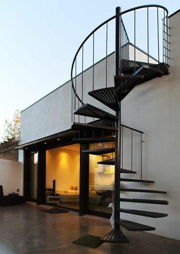Noir spirale design original escalier homes pinterest for Escalier exterieur original