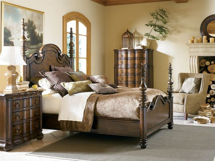 Thomasville   Hills Of Tuscany Poster Queen Bedroom Set
