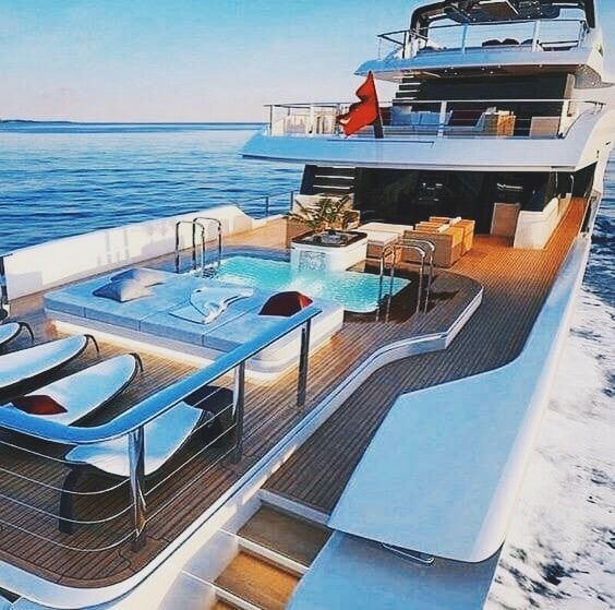 #toucheka #yacht #luxurylife #luxury #ocean #couple #yachting #lux #ocean #summer #blue #diy #happiness #bikini #boat #palmtrees #bikinibody #blueocea…