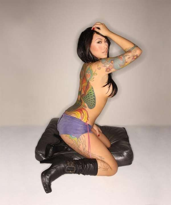 The 'Lips like Sugar' Tattoo Shoot is Steamy #tattoos