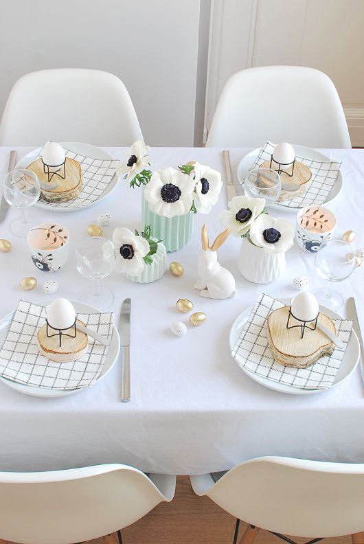 Simple Black and White Easter Table Decorcountryliving